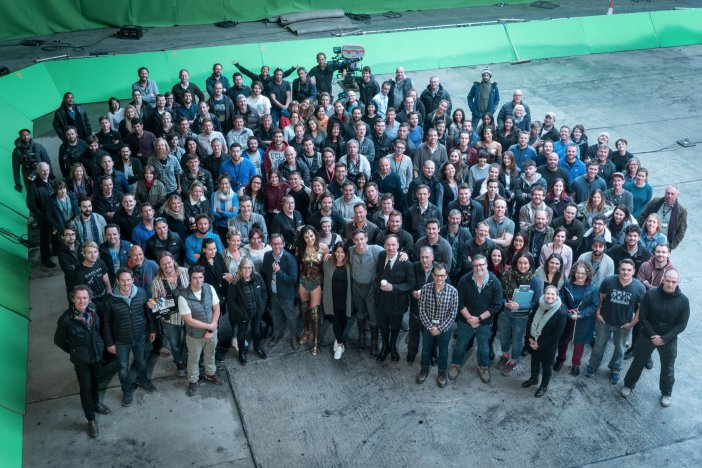 wonder woman cast and crew