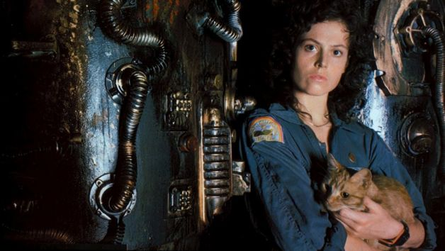 alien-1979-004-sigourney-weaver-and-cat